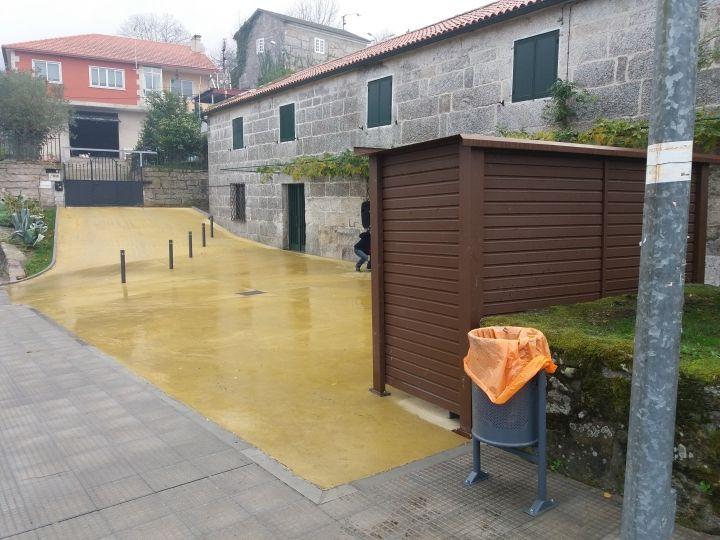 Humanización y formación de beirarrúas no entorno da igrexa de San Pedro de Tenorio.