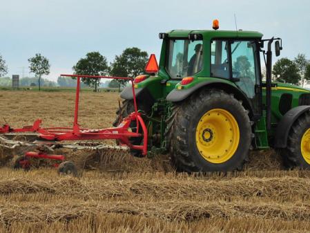 Tractor con estendedor John Deere 6320